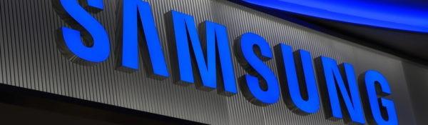 Patent Samsung toont smartphonescherm met gaten voor frontcamera en sensors